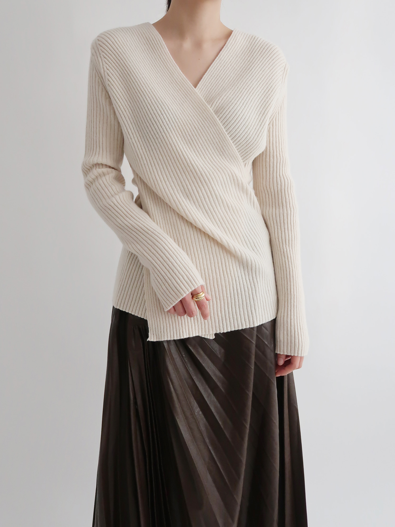ribbed fine wool sweater (cream)