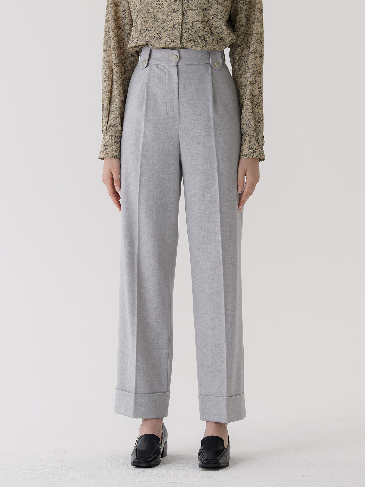 turn-up trouser (gray)